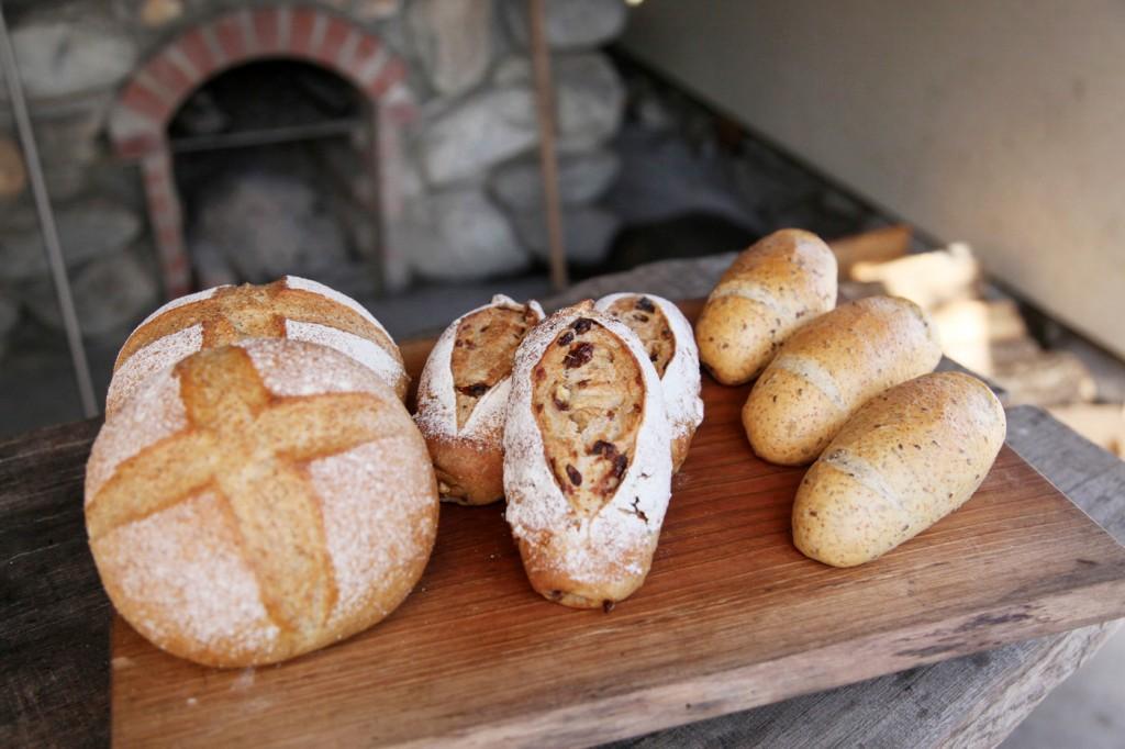 石窯といろんなパン(AC写真)